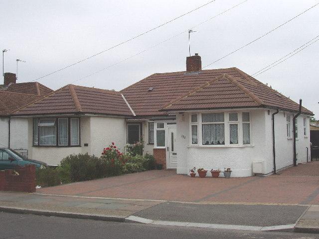 Bungalow on Allenby Road, Dormer's Wells