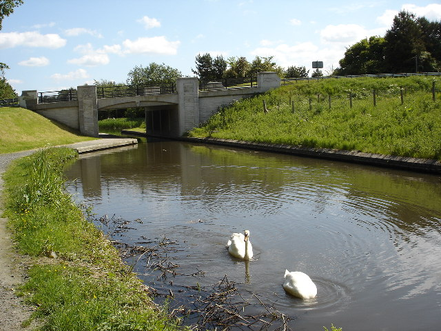 New bridge over Union Canal Muiravonside