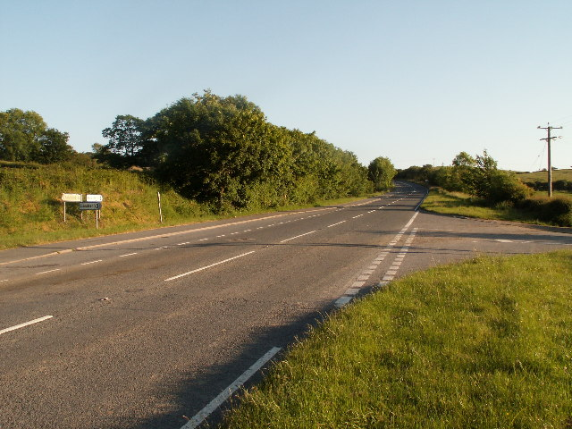 Road junction, A487 and Lôn Glanfrêd