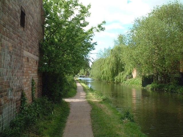 Erewash Canal Towpath - Long Eaton Approach