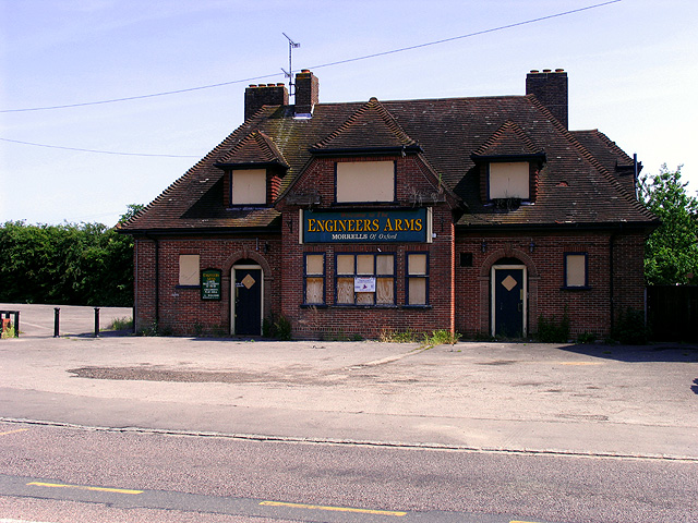 Disused Pub in Whitley Wood