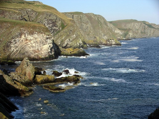 Cliffs at Pettico Wick