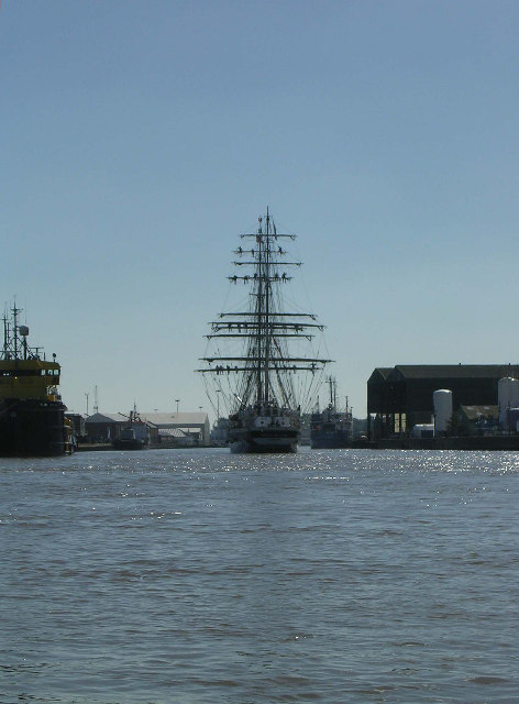 Tall Ship (Prince William) coming into port at Great Yarmouth