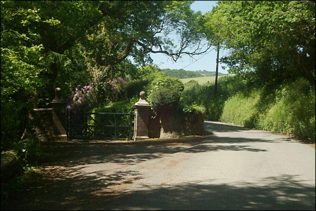 Gateway to Ashton Manor