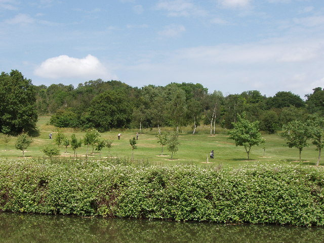 Sudbury Golf Course on Horsenden Hill, from Grand Union Canal
