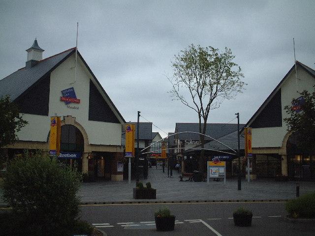 McArthur Glen Shopping Mall