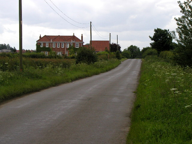 On the road to Sproatley from Burton Constable