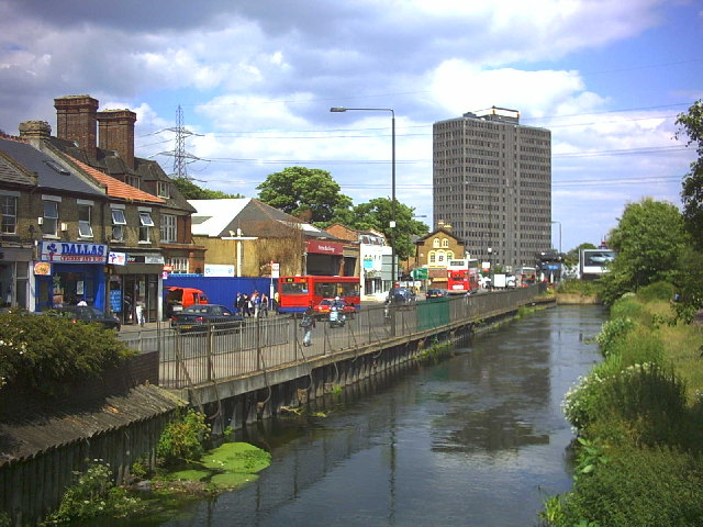 River Wandle at Merton High Street (A238)