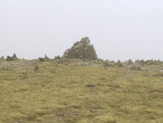 Pen yr Helgi Du false summit cairn