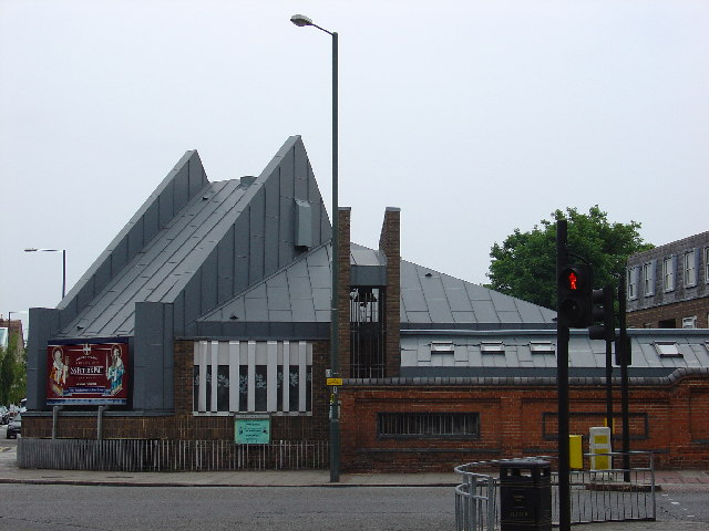 Ss Peter and Paul Church, Teddington