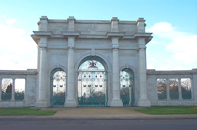 Entrance Gates to Memorial Gardens, Victoria Embankment