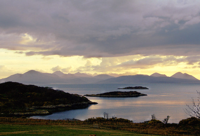 Camus Dubh-aird with the Isle of Skye in the distance