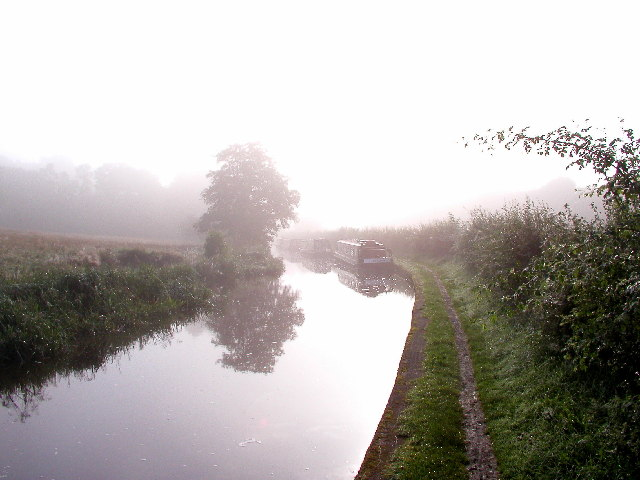 Early morning sun and mist on the Caldon Canal