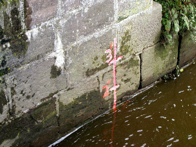 River Churnet level indicator at the bottom of Oakmeadow Ford Lock.