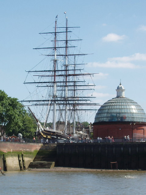 Cutty Sark and the entrance to Greenwich Foot Tunnel