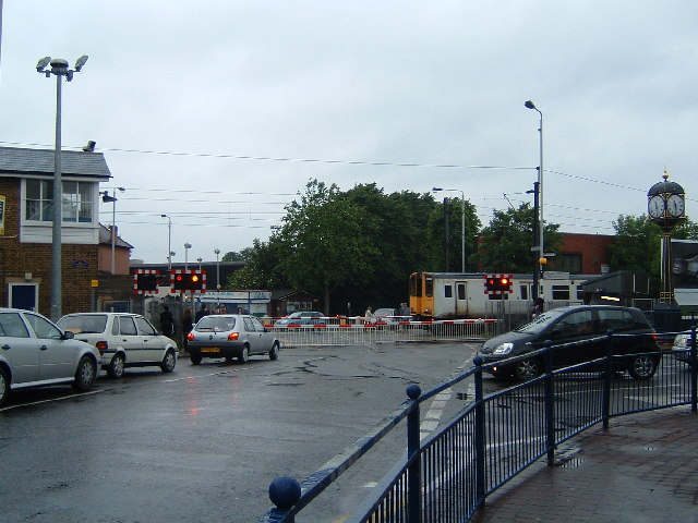 Level Crossing, Highams Park