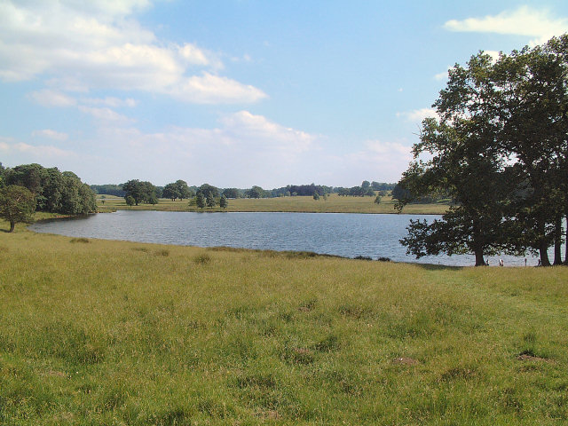 Lake in Tatton Park