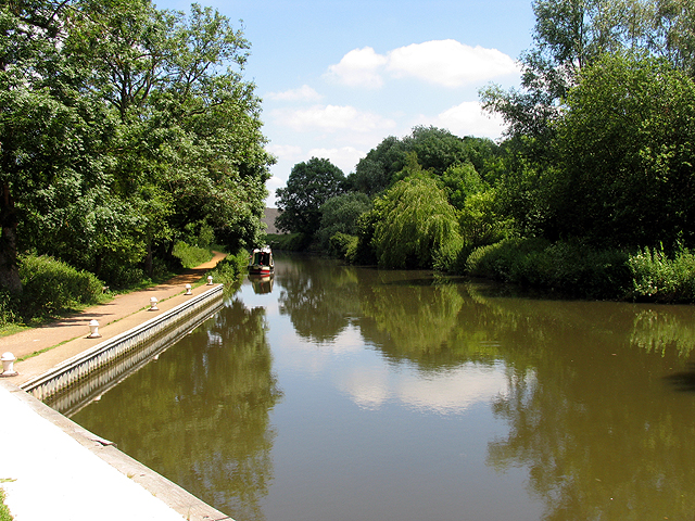 Padworth Lock at Aldermaston Wharf