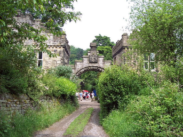 Lower gatehouse and gas-works, Castle Carr