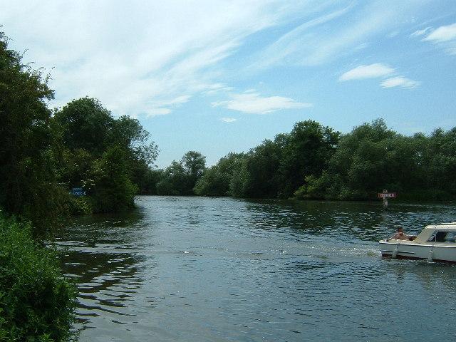 River Thames where Culham Reach becomes Culham Cut