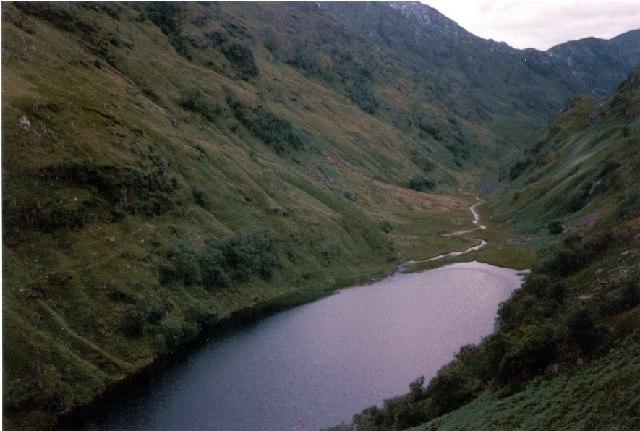Lochan Leum an t-Sagairt, Glen Pean