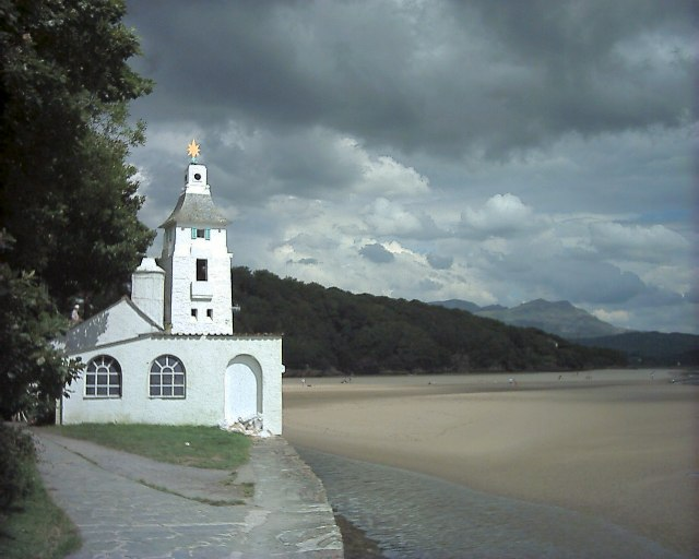 Portmeirion - White Horses and the Observatory