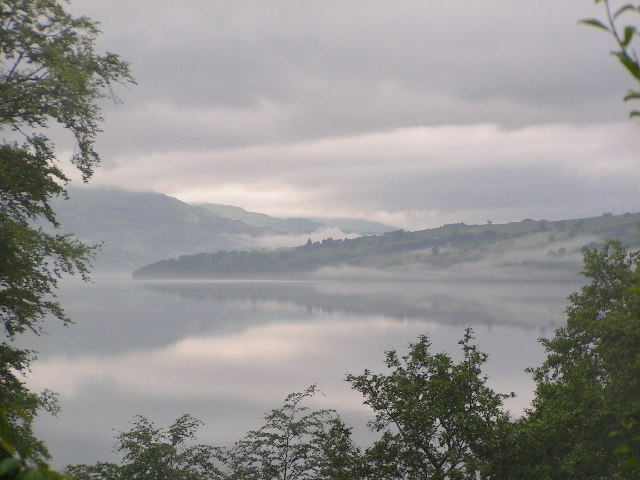 Looking SW along Loch Tay from Fearnan