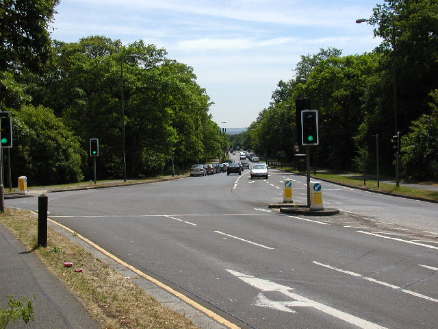 Rochester Way, junction with Welling Way