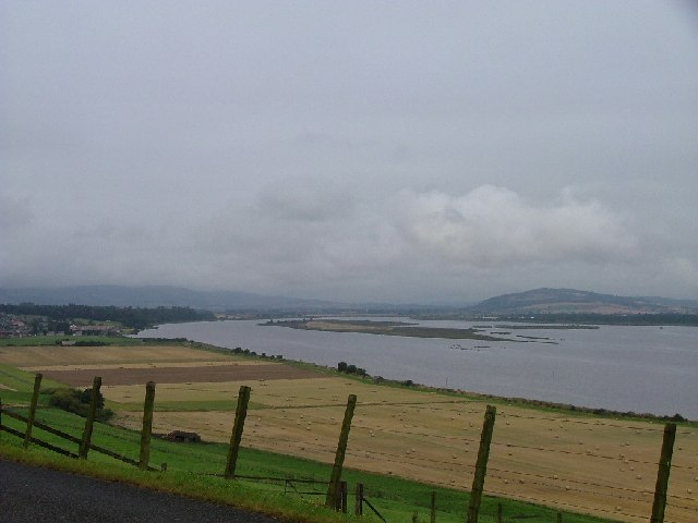 Black Earnside looking west towards Mugdrun Island