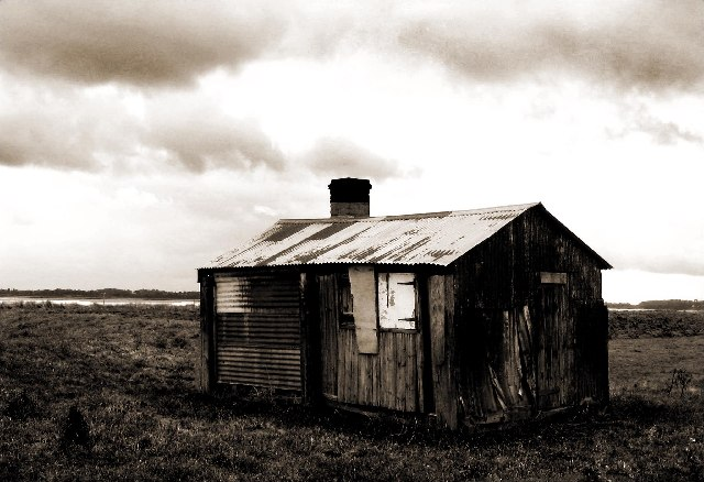 Shed on the bank of the River Severn at Awre