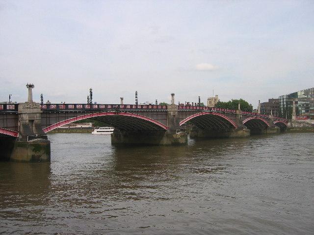 Lambeth Bridge.