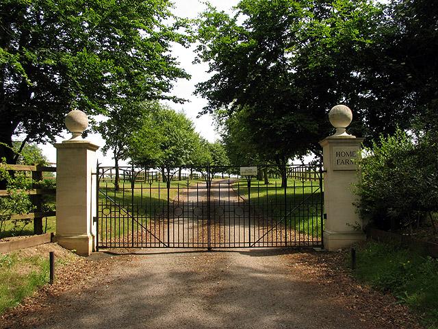 Entrance to Home Farm