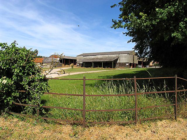 New Farm : Compton