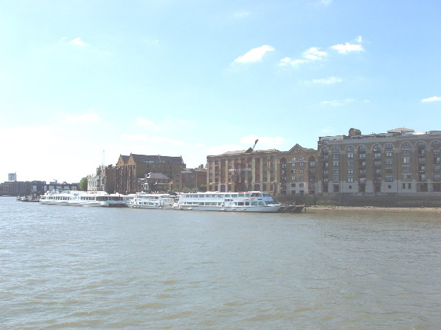 River Thames at Wapping - warehouse apartments and sightseeing boats