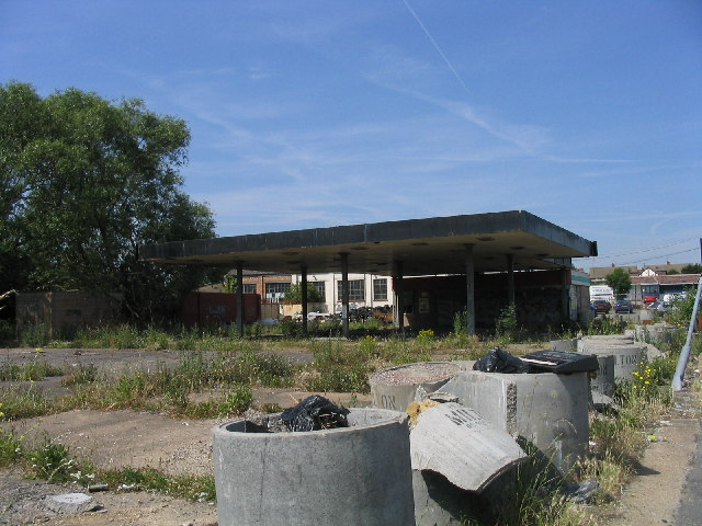 Derelict petrol station, A127, Hornchurch, Essex