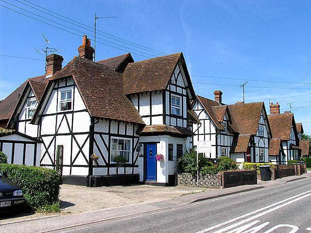 Black and White Style Houses: Basildon
