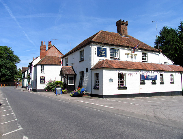 The Ferryboat Inn: Whitchurch-on-Thames