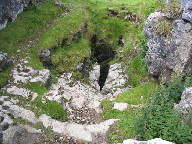 Sell Gill Hole, Penyghent