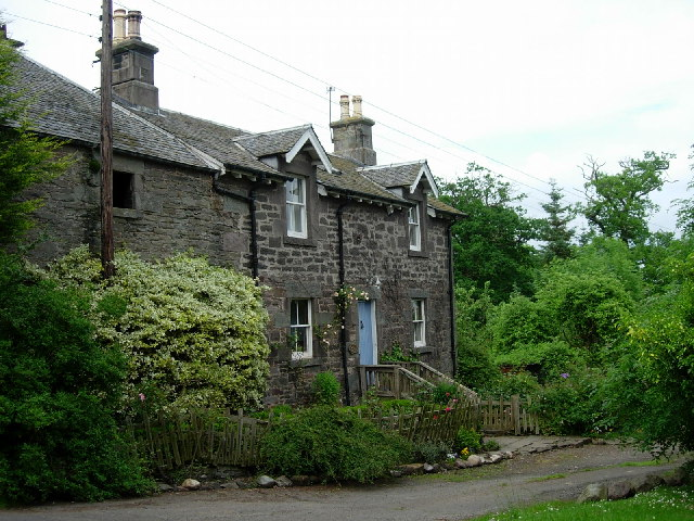 Cottages in Benvie