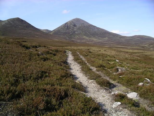 Path from Airgiod Bheinn to Loch Moraig 2