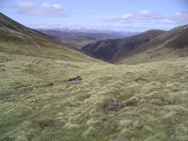 Bealach between Braigh Coire Chruinn-bhalgain and Carn nan Gabhar 1