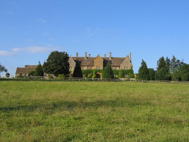 Austy Manor