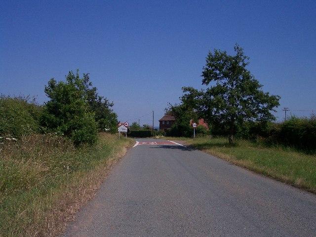 Kinnersley - Village Limits