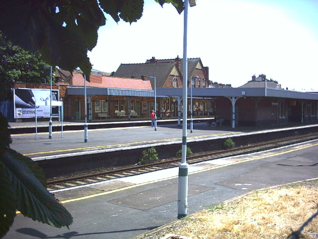 Streatham Common Station, Streatham Vale.