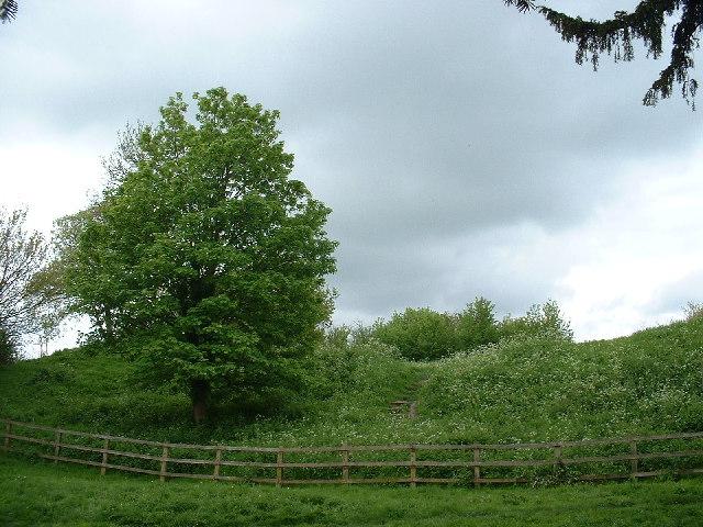 Toot Hill, Pirton
