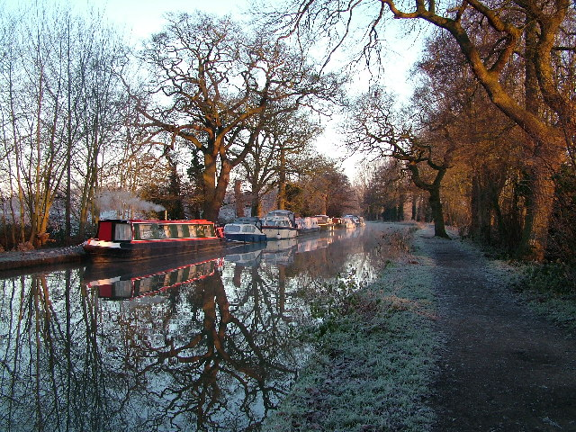 Wey Navigation Canal, Pyrford
