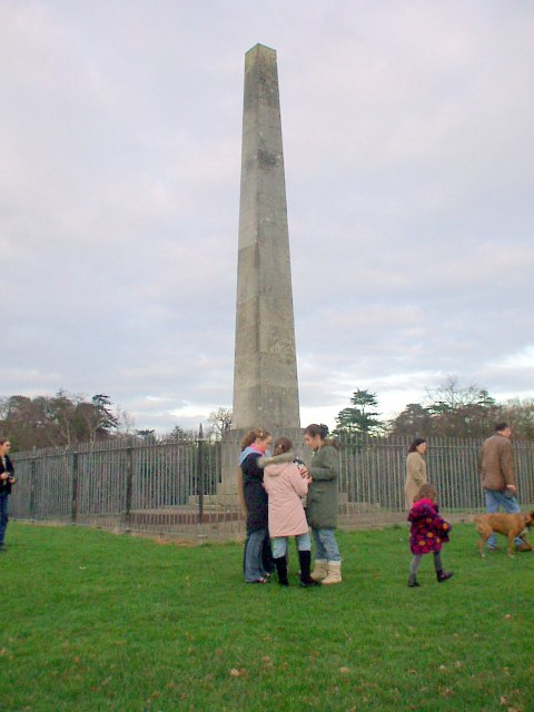Obelisk Mayfield Park