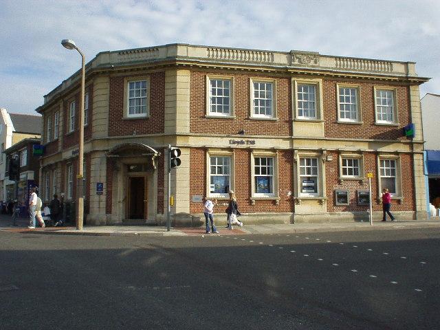Lloyd's Bank Building, Woolston