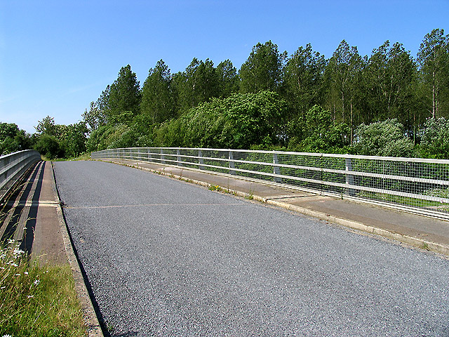 Bridge over the A417 T) near Cirencester