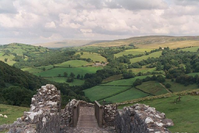 Carreg Cennen Castle approach